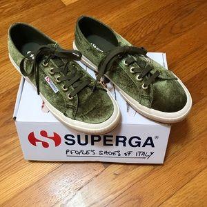 💥NIB💥Superga 2750 Velvetjpw Sneakers - Olive